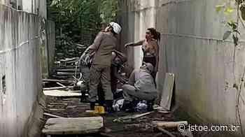 Adolescente cai de 3º andar de escola inacabada no Rio de Janeiro - ISTOÉ