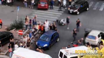 Pigneto: scippa una donna, fugge su scooter rubato e investe tre poliziotti