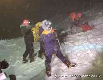 Five climbers die in snowstorm on Europe's highest mountain
