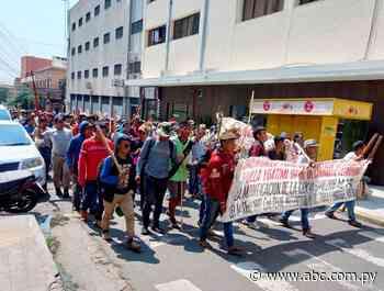 Nativos se movilizan en Asunción contra el proyecto de elevar penas a invasores - ABC Color