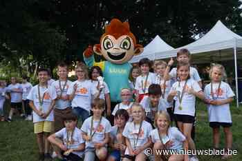 Scholenveldloop in gezelschap van mascotte LUUK
