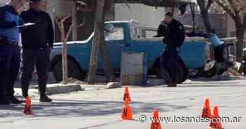 San Rafael: tenía prohibición de acercamiento, fue a la casa de su ex, se tiroteó con la policía y terminó muerto - Los Andes (Mendoza)