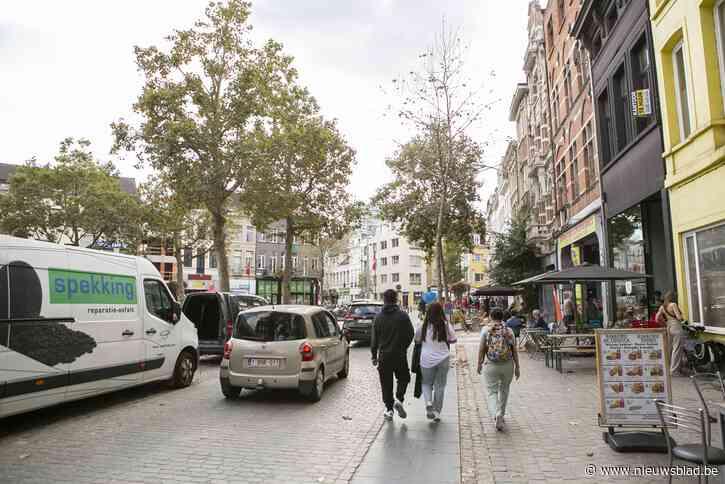 Onderzoek loopt om deel De Coninckplein autoluw te maken