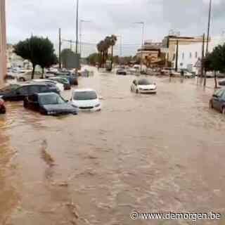 ► Zware wateroverlast in Spanje: straten veranderen in mum van tijd in kolkende rivier