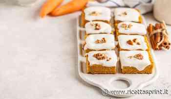 Quadrotti di cocco carote e noci con glassa | sfiziosi e buonissimi - RicettaSprint