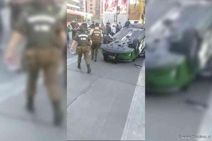 VIDEO+FOTOS. Así quedó una patrulla de Carabineros tras chocar y volcar en Las Condes