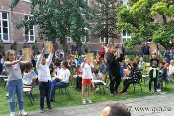 Schoolkinderen herdenken omgekomen leeftijdsgenoten (Herentals) - Gazet van Antwerpen