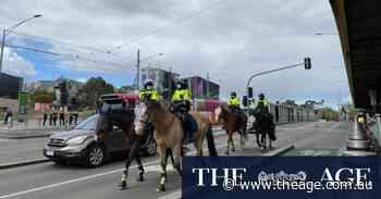 Melbourne Protests: Police confront demonstrators in St Kilda