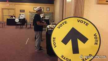 As Elections Canada looks into First Nation voting errors in Ontario, pressure heats up to get answers