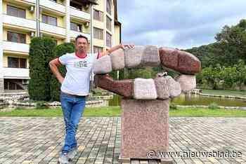 Nieuwmoerse kunstenaar Jorg Van Daele kust Lenin