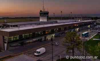 Aerolínea low cost quiere despegar desde Rosario hacia un nuevo destino - Punto Biz