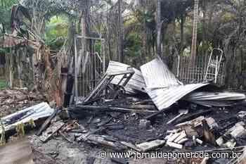Corpo é encontrado em rancho incendiado, em Indaial - Jornal de Pomerode