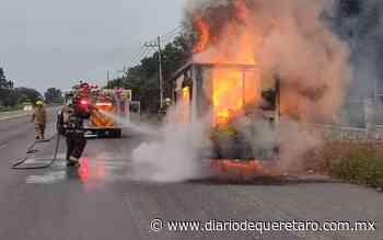 Se incendió camioneta en carretera a Bernal - Diario de Querétaro