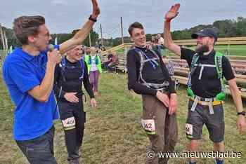 """Vreugdetaferelen aan finish van 100 km BoslandTrail: """"Moe maar voldaan""""<BR />"""
