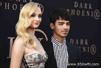 Joe Jonas and Sophie Turner buy waterfront mansion in Miami for $11 million – 850 WFTL - 850wftl.com