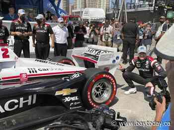 Newgarden wins Long Beach pole in tight IndyCar title race