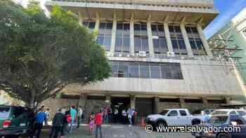 VIDEO: Cierran tercera planta del Centro Judicial de Santa Ana por casos Covid-19   Noticias de El Salvador - elsalvador.com