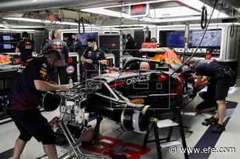 Mercedes manda y Verstappen apuesta por un cambio de motor - EFE - Noticias