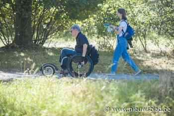 """Aangepaste rolstoelen getest in Parkbos: """"Iedereen van natuur laten genieten"""""""