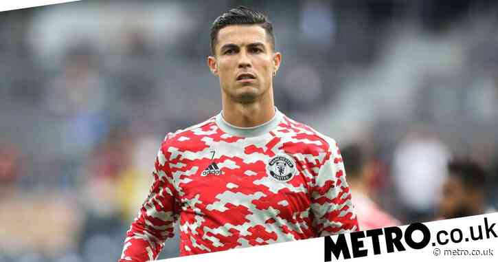 Cristiano Ronaldo 'wants to retire at Man Utd' before staying on to coach son