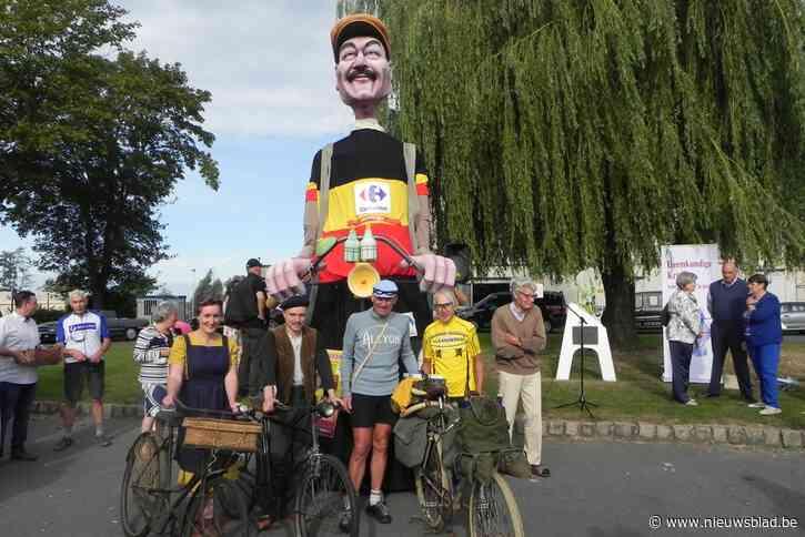 """Alex (57) rijdt na Milaan-San Remo met fiets uit 1908 terug naar Moorslede: """"Nu heb ik nog meer respect voor Cyrille Van Hauwaert"""""""