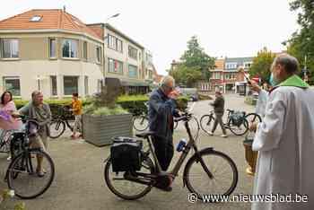 Succes voor eerste fietswijding in Lambertusparochie