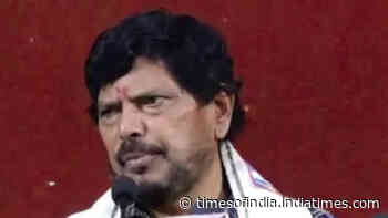 Sonia Gandhi should have been PM when UPA came to power: Ramdas Athawale