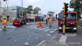 Zware crash van brommobiel in Zele, twee zwaargewonden - TV Oost