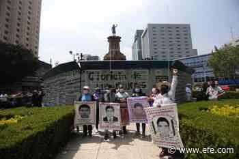 Feministas mexicanas instalan estatua de una mujer donde estaba la de Colón - EFE - Noticias