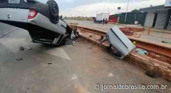 Vídeo: carro capota na BR 040 na entrada de Santa Maria - Jornal de Brasília
