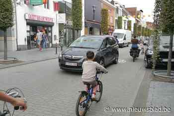 Geel bekijkt knip achter kerk tegen doorgaand verkeer - Het Nieuwsblad