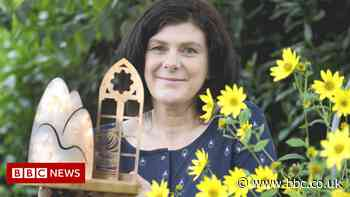 Dani Garavelli wins Anne Brown prize at Wigtown Book Festival