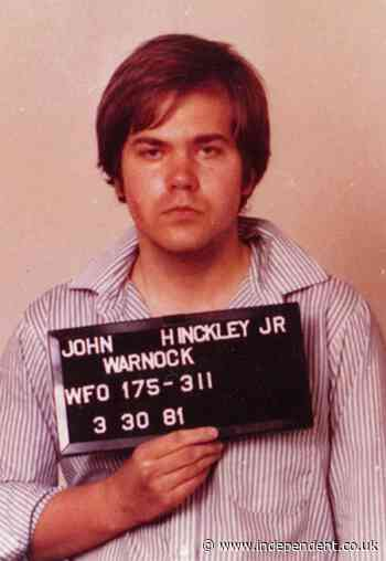 John Hinckley Jr news - live: Would-be Reagan assassin apologizes to Jodie Foster after winning release
