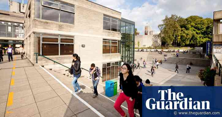 Universities should say sorry to students if staff strike, says union boss