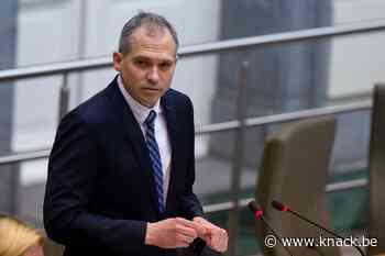 Vlaamse regering bespaart 900 miljoen tegen 2024