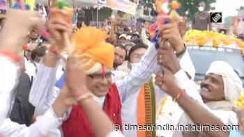 Watch: MP CM Shivraj Singh Chouhan shows off dancing skills in Khargone