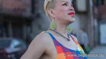 Convierten la wiphala en vestido para un desfile en Buenos Aires - Diario Pagina Siete
