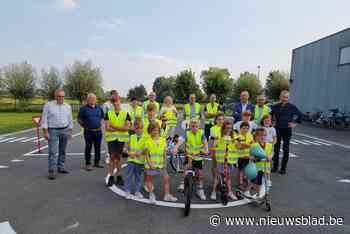 Gemeente opent verkeerspark en stippelt fietsexamenroute uit (Meulebeke) - Het Nieuwsblad