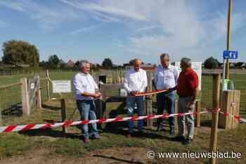 Hondenweide officieel geopend (Meulebeke) - Het Nieuwsblad