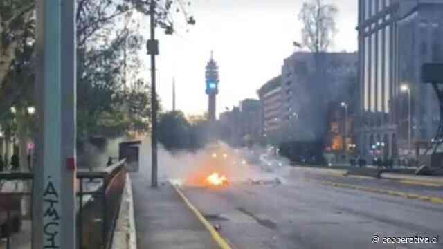 Marcha pro migrantes culminó con barricadas y enfrentamientos en la Alameda
