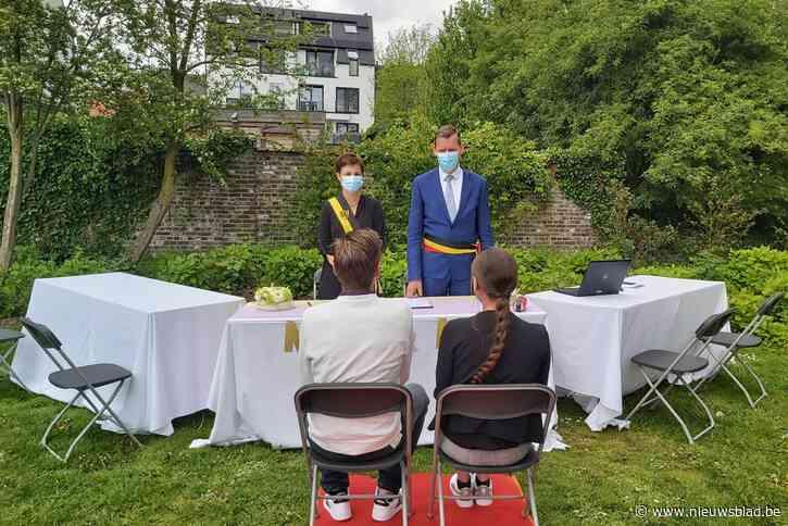 """Outdoor huwelijken zijn een succes én een blijver: """"Meer dan één op drie trouwt in open lucht"""""""
