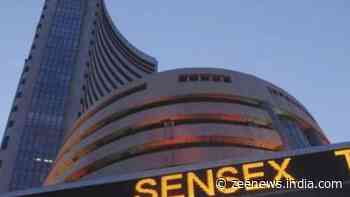 Sensex, Nifty drops in early trade; IT stocks drag