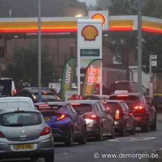 ▶ Britse regering zet leger stand-by om brandstofcrisis te bezweren: wat is er aan de hand, en hoe lang zal dit duren?