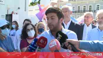 """Líder do CDS diz que tiroteio enquanto candidata colocava cartazes em Palmela é """"um atentado à democracia"""" - Correio da Manhã"""