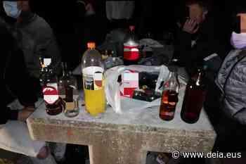 Decomisados 650 litros de alcohol en las fiestas de Las Mercedes de Getxo - Deia