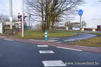 Nieuwe verkeersmeting aan oversteekplaats fietsers Puurseste... (Bornem) - Het Nieuwsblad