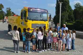 """Basisschool Leieparel neemt deel aan Strapdag: """"Veilig naar school gaan kan je leren"""" - Het Nieuwsblad"""
