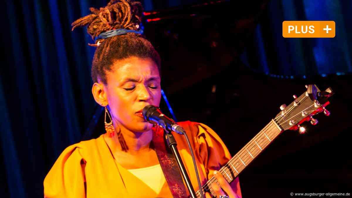 Konzert im Jazzclub: Carmen Souza streichelt die Seele des Jazz - Augsburger Allgemeine