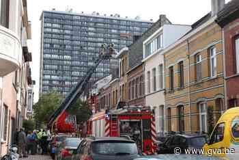 Zolderverdieping vernield bij uitslaande dakbrand in Wilrijk (Wilrijk) - Gazet van Antwerpen