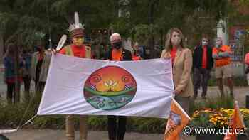 Fredericton raises Wolastoqey flag to mark first Day for Truth and Reconciliation - CBC.ca